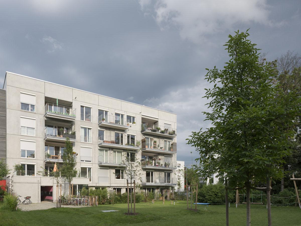 bauelemente_wohnbau_slider3_mehrfamilienhaus_muc